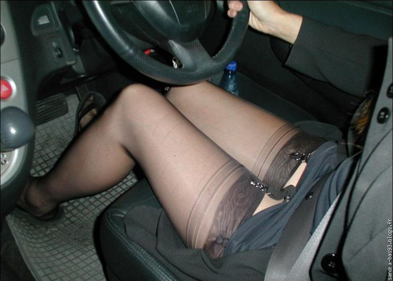 Upskirt stockings caen 4 - 3 6